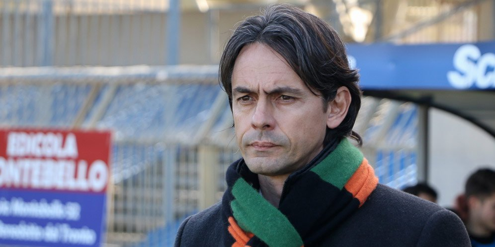 Filippo Inzaghi Resmi Nahkodai Bologna