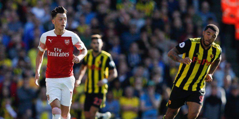 Emery: Perselisihan Ini Tuk Buat Ozil Bangkit !
